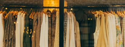 Afbeelding van Langer met je kleding doen: de keerzijde van de fast fashion industrie
