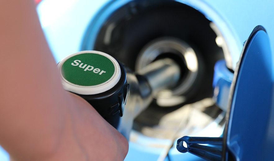 Brandstof besparen door minder apparatuur aan te zetten in de auto